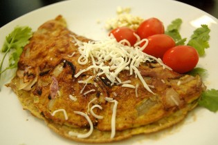 Leftover Chili Omelette